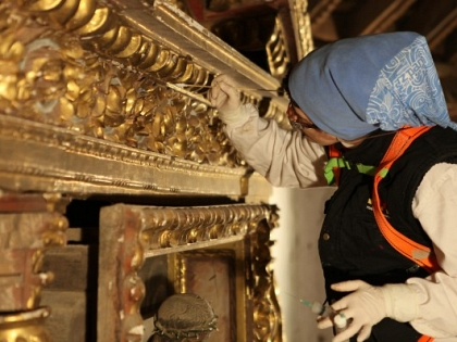 Románico Atlántico team has begun the restoration of the altarpiece in the church of Sejas de Sanabr