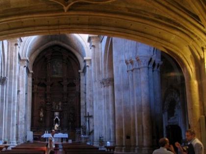 Primeros pasos para acometer la intervención de Románico Atlántico en San Martín de Tours