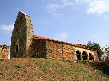 Restoration works of the mural paintings and new lightening system at the Church of Muga de Alba fin